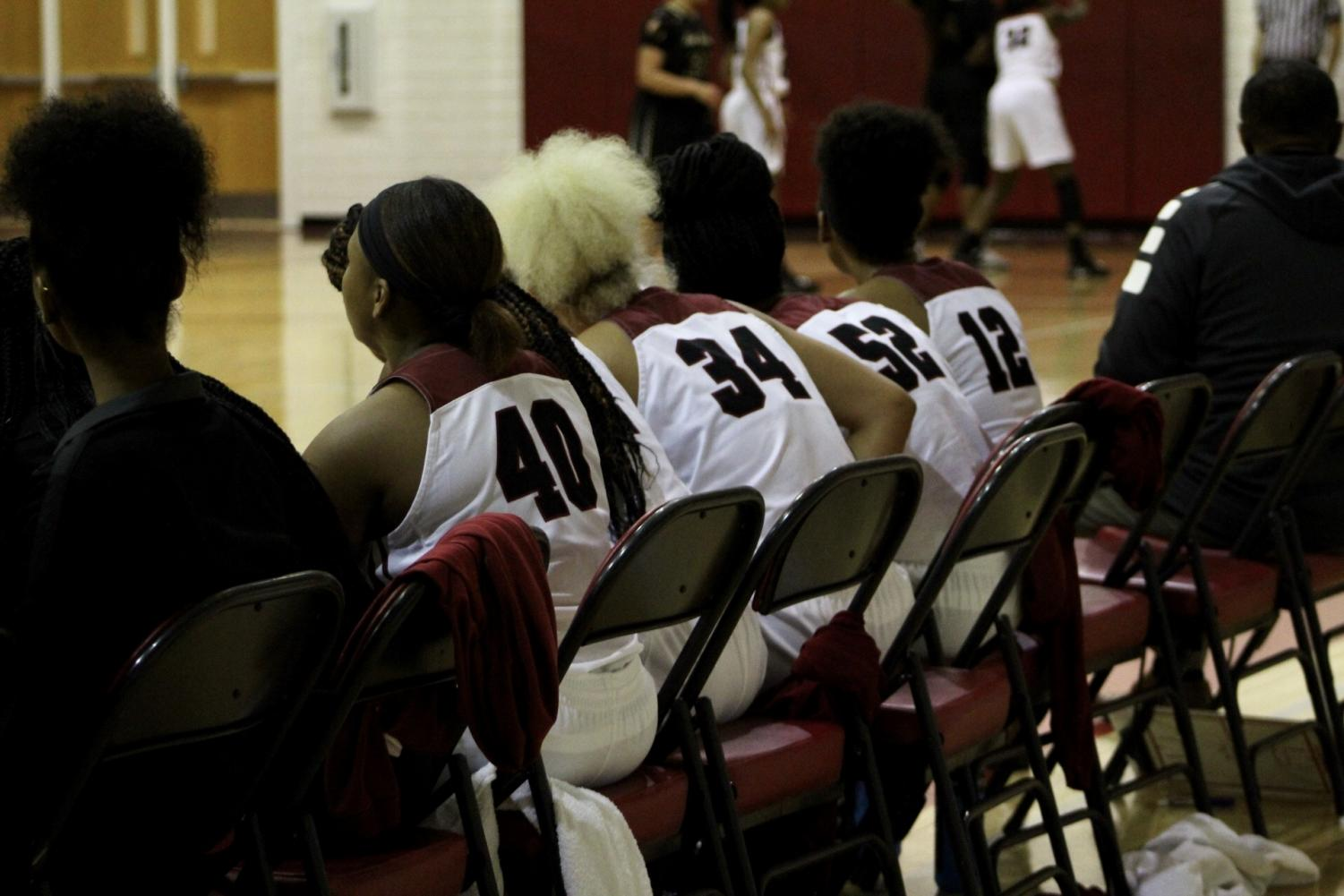 Ladybacks+support+their+teammates+from+the+sidelines.